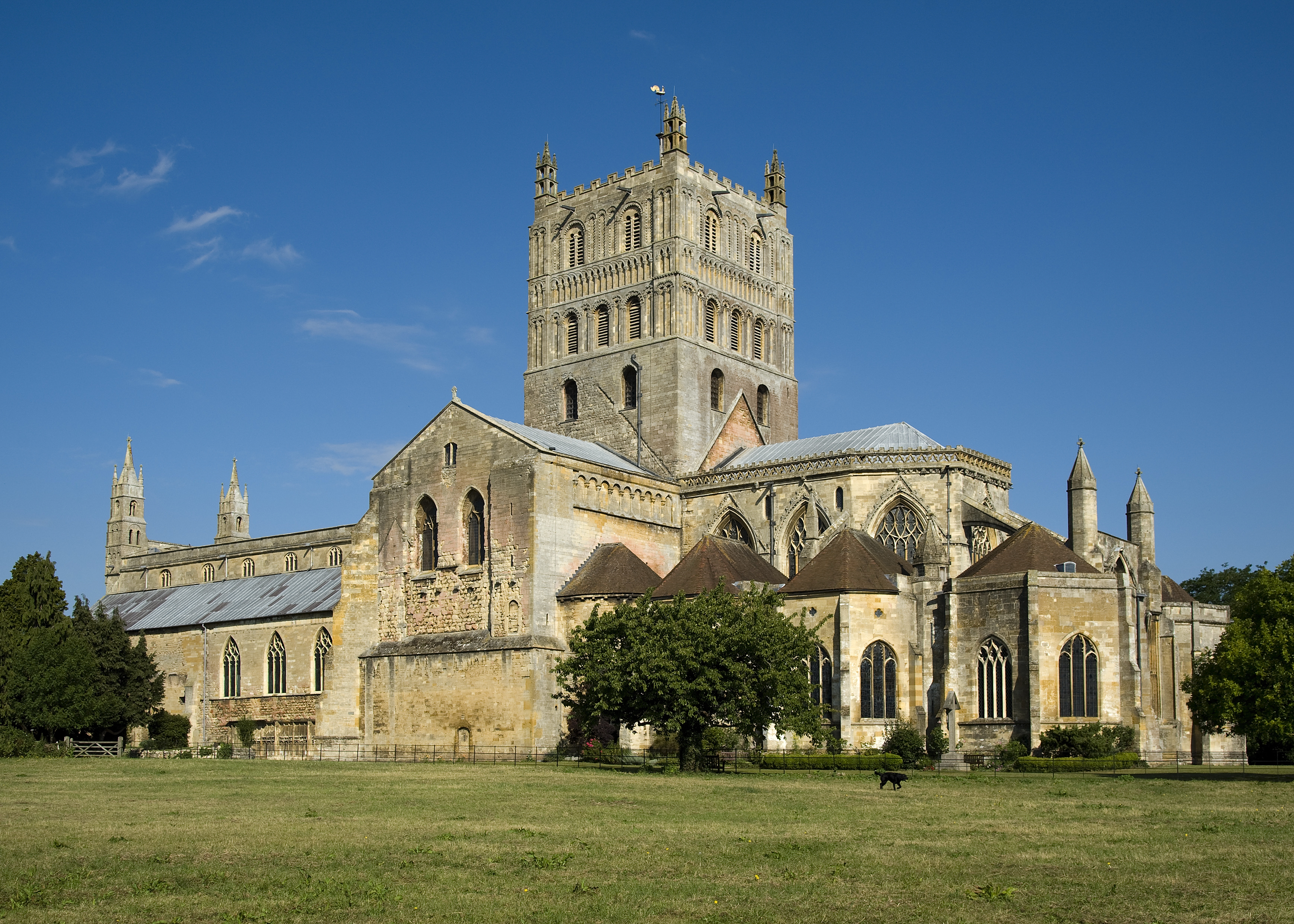 Tewkesbury_Abbey_2011.jpg